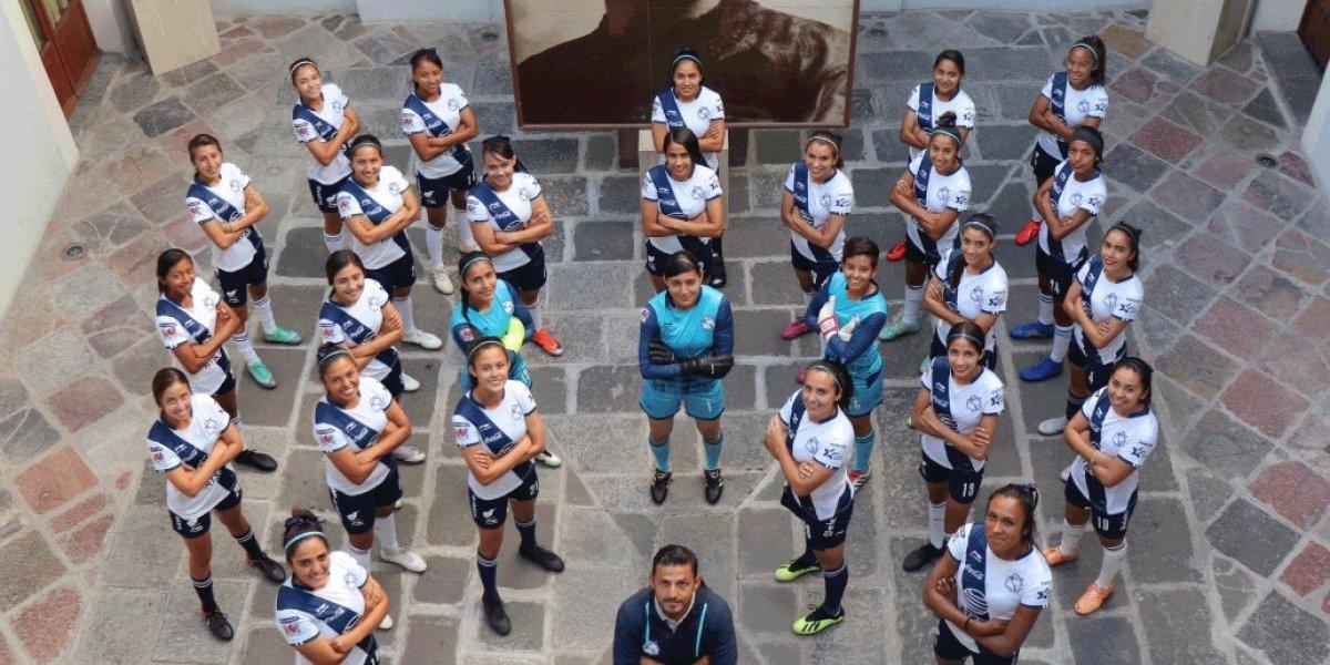 Puebla Femenil sorprende con su revolucionaria fotografía oficial