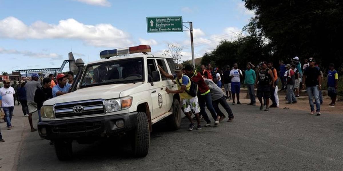 Em manhã tensa na fronteira, Maduro e Guaidó convocam manifestações