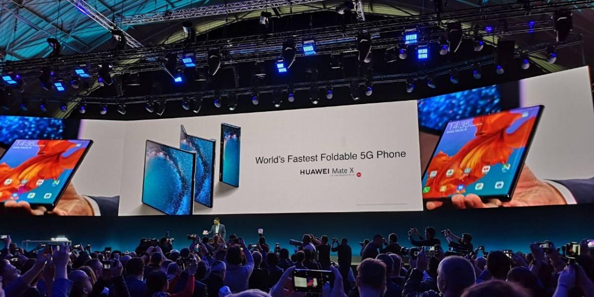 Huawei presentó el Mate X, su nuevo teléfono plegable