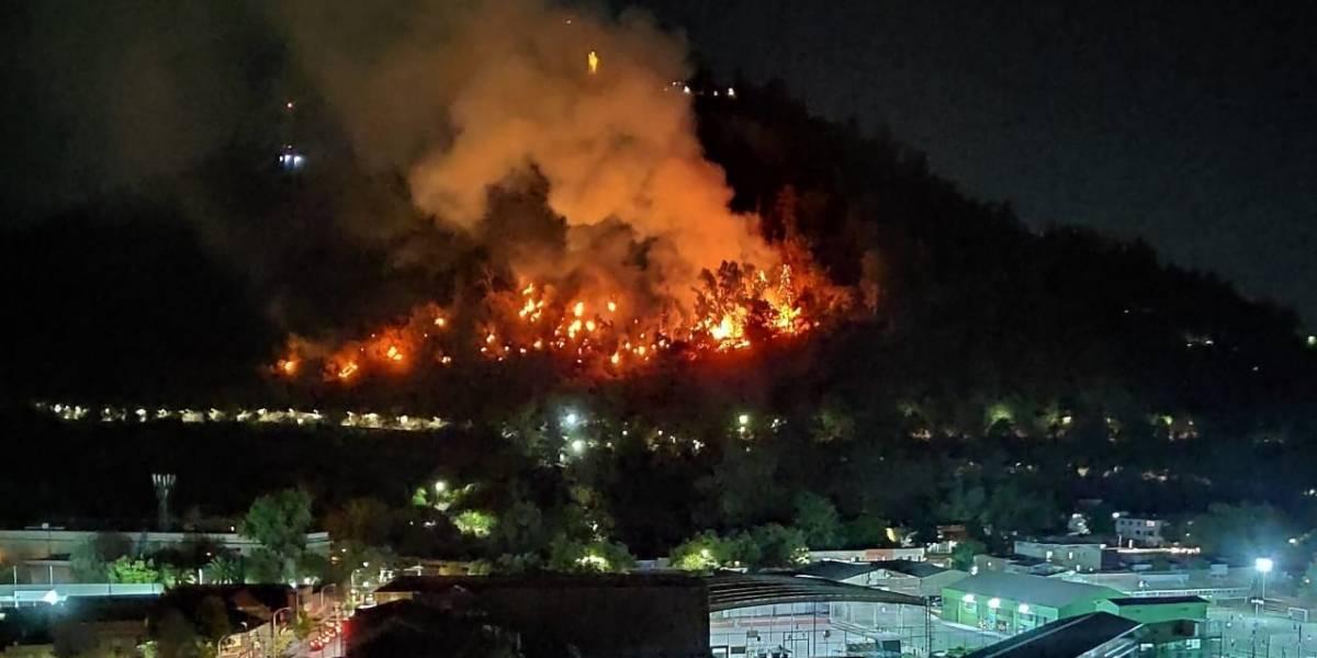 Cerca del Zoológico Metropolitano: incendio en el Cerro San Cristóbal