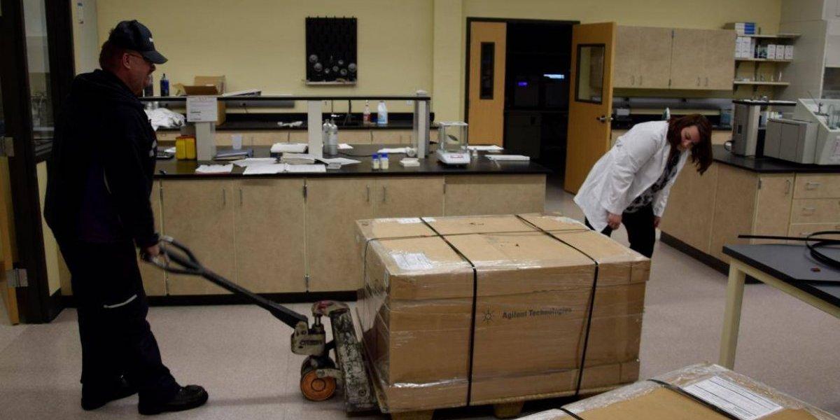 Donan importante instrumento a Ciencias Forenses para agilizar trabajos