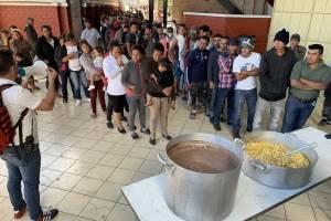 Atienden a más de 600 migrantes en el Parque de la Solidaridad