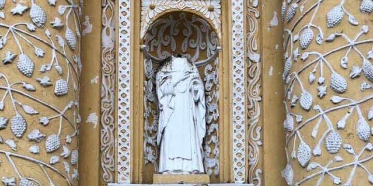 Decapitan imagen en iglesia La Merced, en Antigua Guatemala
