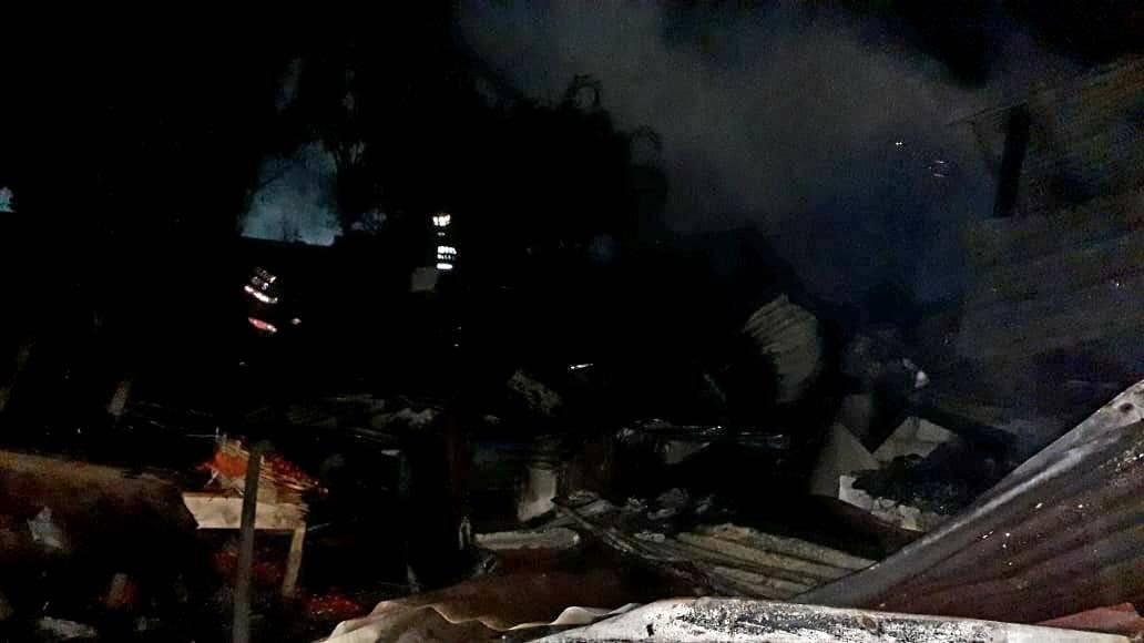 Incendio consume locales del Antiguo Mercado de Mazatenango,