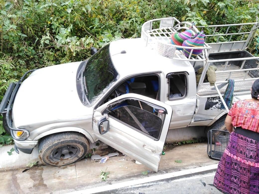 Picop se accidenta en Quetzaltenango Bomberos Municipales Departamentales