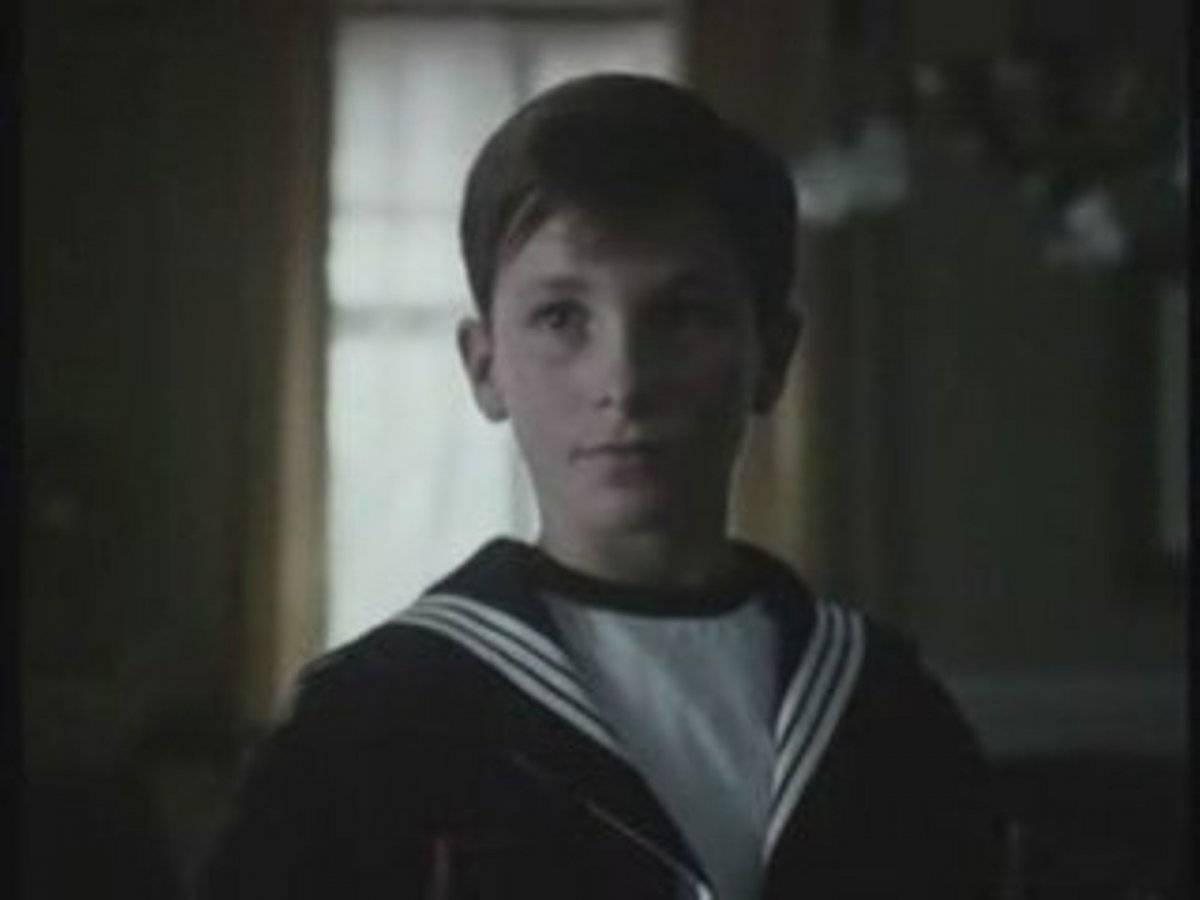 Foi na série de TV Anastácia: O Mistério de Ana (1986) que Christian Bale estreou em frente às câmeras, aos 12 anos de idade Divulgação