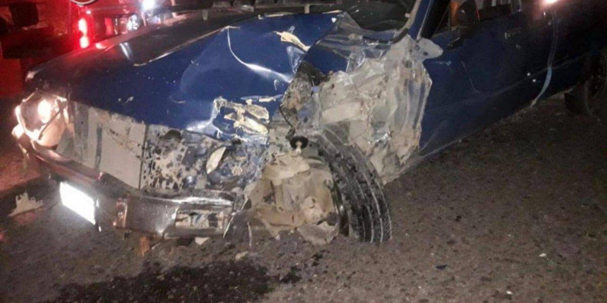 Vehículos chocan de frente en Jalapa