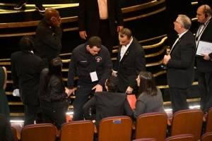 Oscar 2019: La caía de Rami Malek al recibir su estatuilla