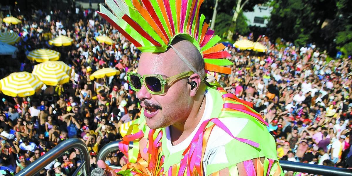 Como lidar com o calor, as dores e os banheiros químicos no Carnaval