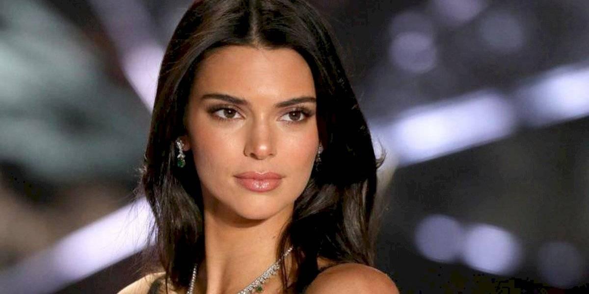 Kendall Jenner seduce a sus fans con lencería transparente y en la cama