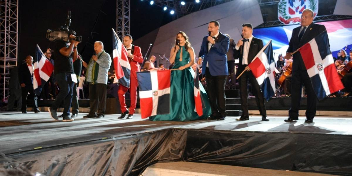 "Actividades culturales en honor al ""Mes de la patria"""