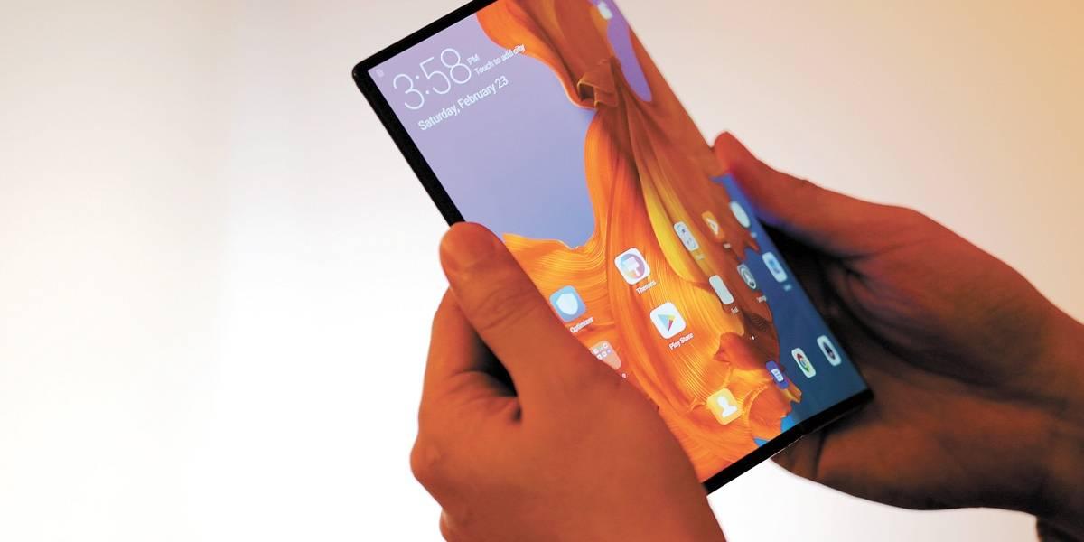 Smartphones: Fabricantes apostam em tela dobrável