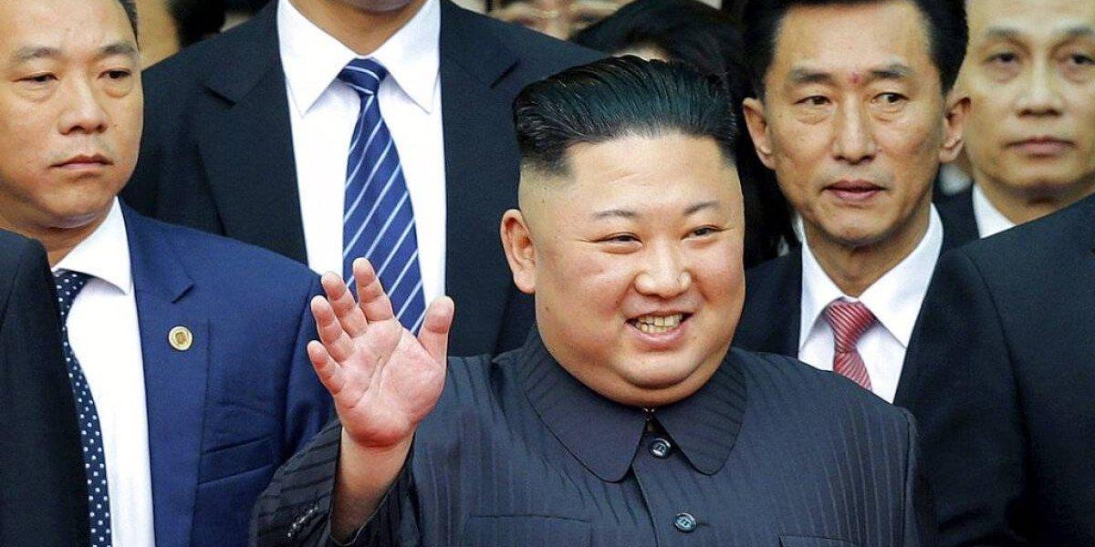 Kim Jong Un llega a cumbre nuclear con Trump