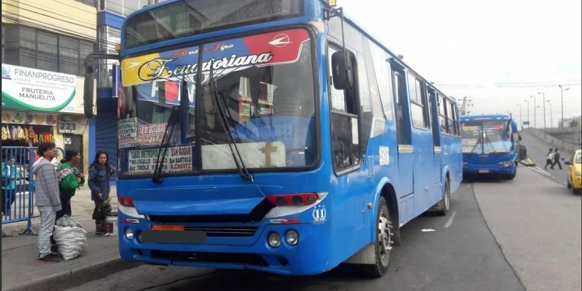 Quito: Pelea entre pasajeros y chofer de bus por exceso de velocidad
