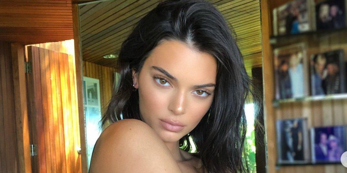Kendall Jenner se deja ver sin ropa interior en fiesta