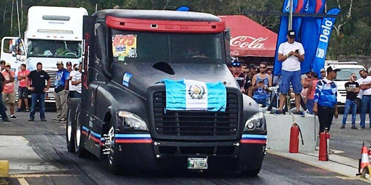 Pilotos guatemaltecos brillan en Costa Rica