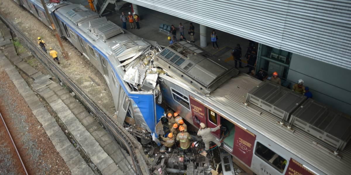 Trens colidem e nove pessoas ficam feridas no Rio de Janeiro
