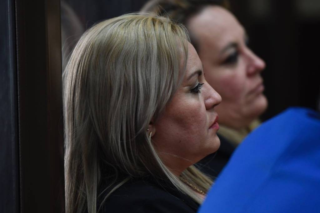 """Audiencia de apertura a juicio del caso """"La Sexta"""", en el cual está señalada Sara Elizabeth Cruz, esposa de """"el Taquero"""", por la muerte de Byron Lima. Foto: Omar Solís"""