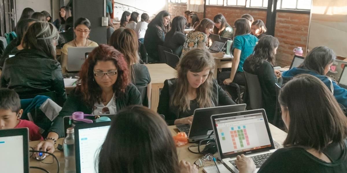 Brecha de género se achica con la capacitación: Tecnología es un territorio lleno de oportunidades