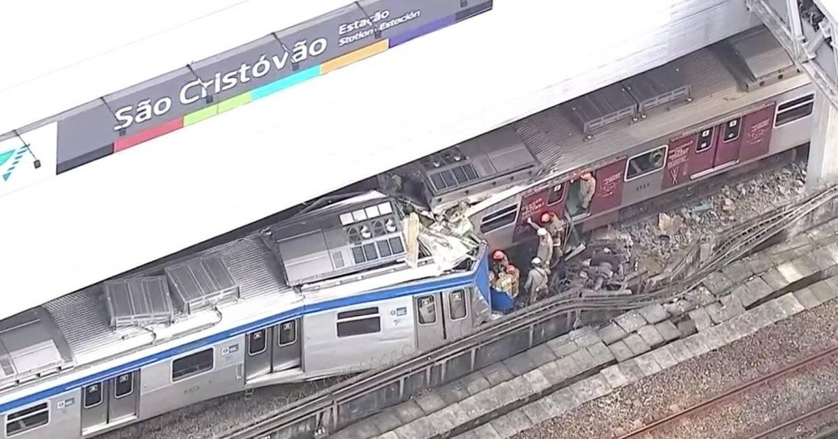 Trens colidem no Rio
