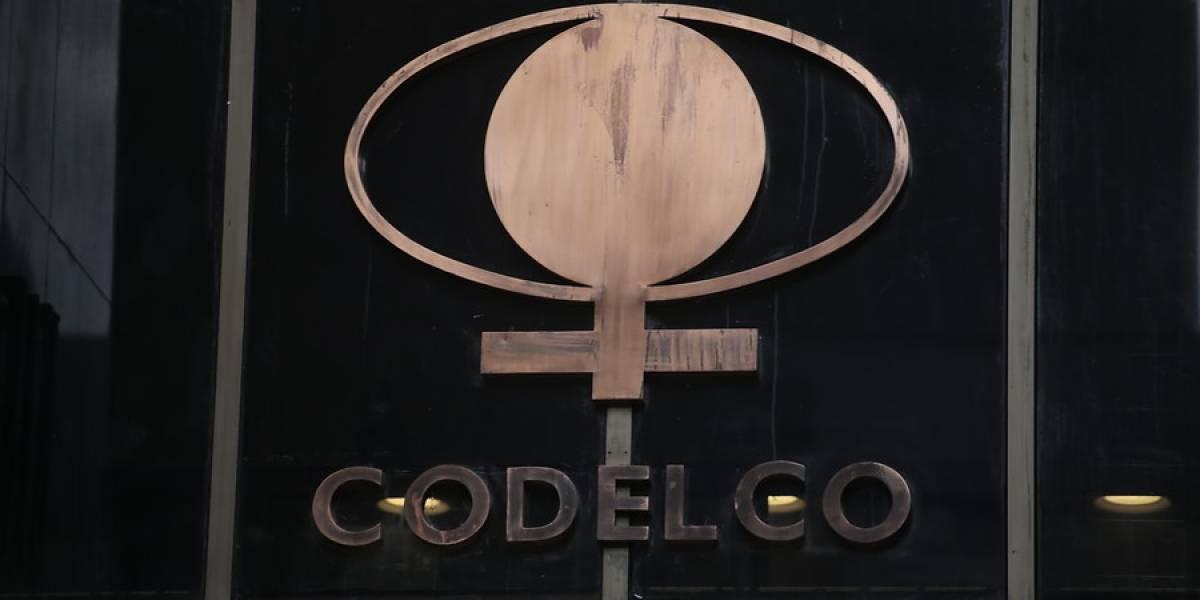 Menos plata para el chanchito del Estado: excedentes de Codelco cayeron 74% el primer semestre