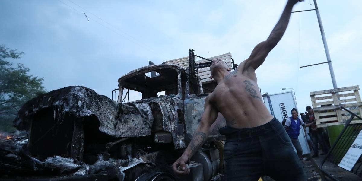 Conflicto en Venezuela: ¿Qué había en los camiones quemados?