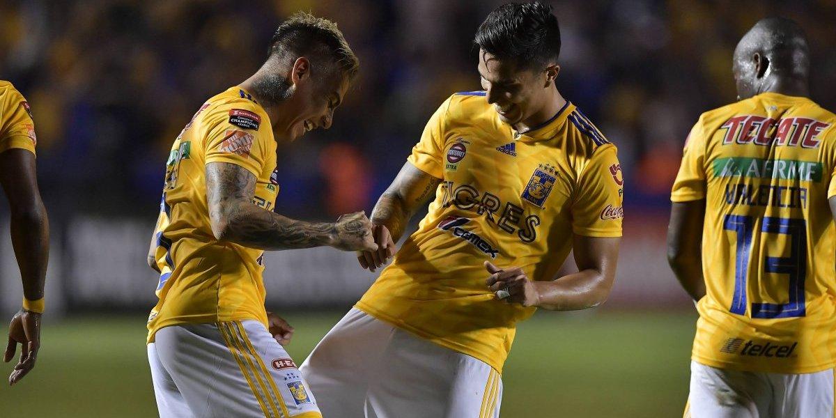 Eduardo Vargas brilló con un golazo en la goleada de Tigres por la Concachampions