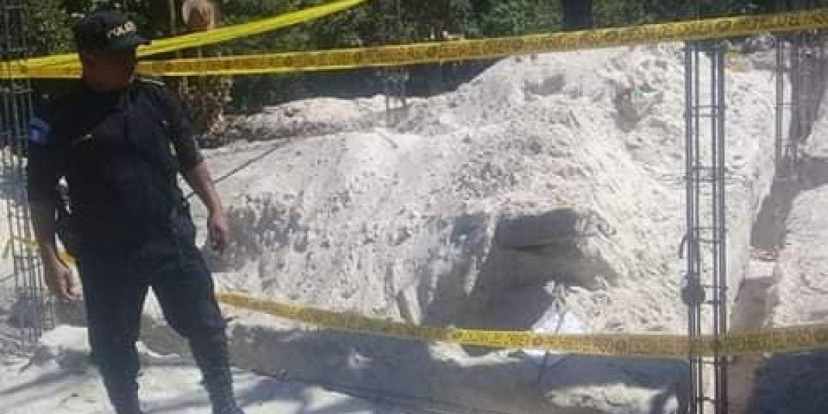 Con una granada y una nota amenazan a propietario de vivienda en construcción de Huehuetenango