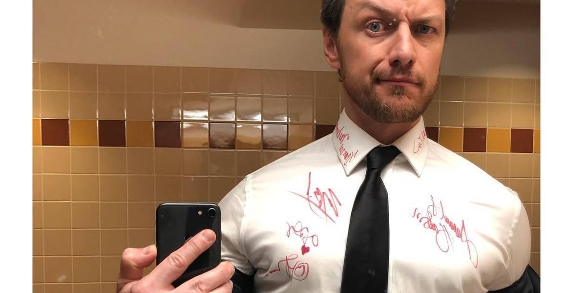 James McAvoy vai leiloar camisa assinada por atores no Oscar para caridade