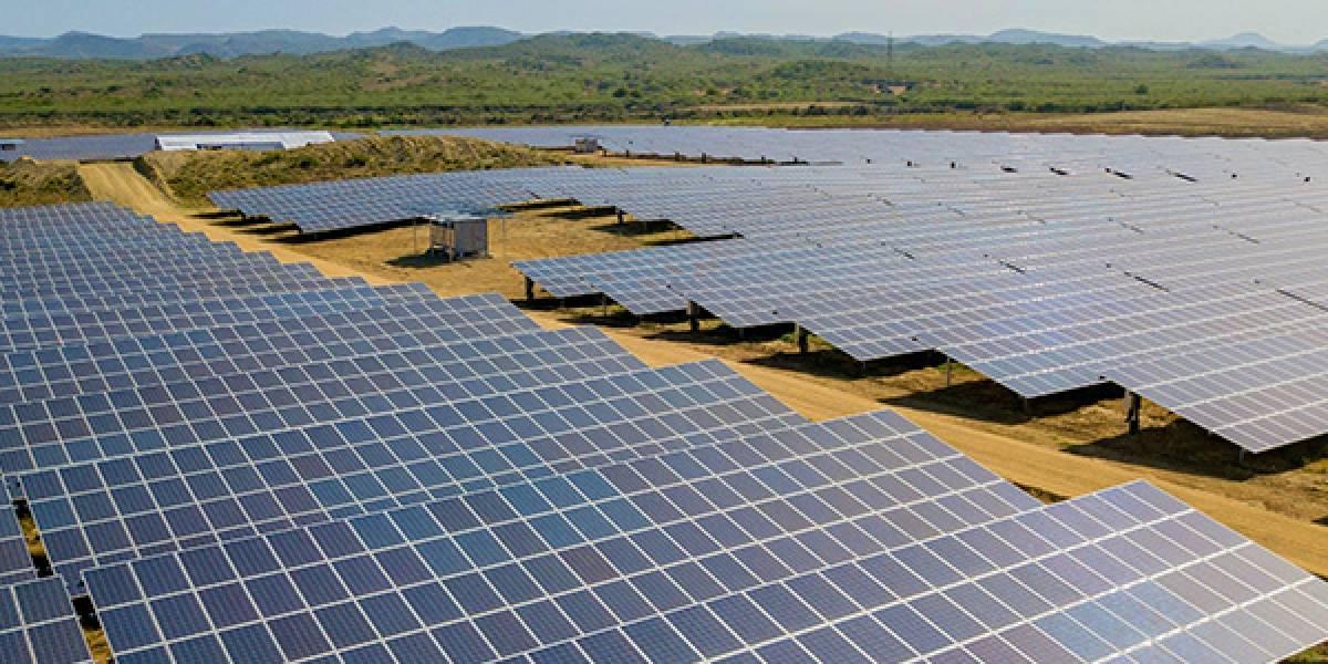 Presidente Medina destaca avances registrados en el 2018 en energía solar limpia
