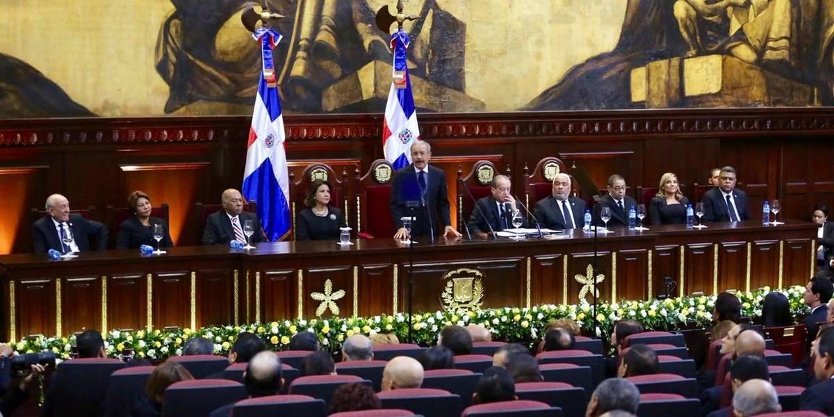Presidente Medina dice que inversión extranjera directa aumentó a 750 millones de dólares