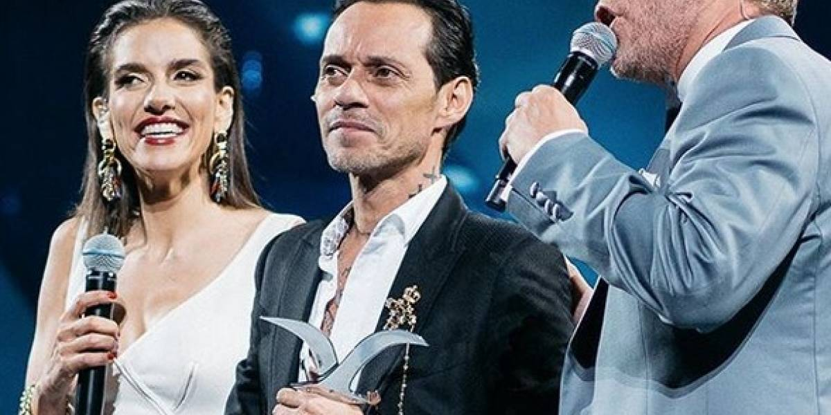 Marc Anthony recibe gaviotas de oro y plata