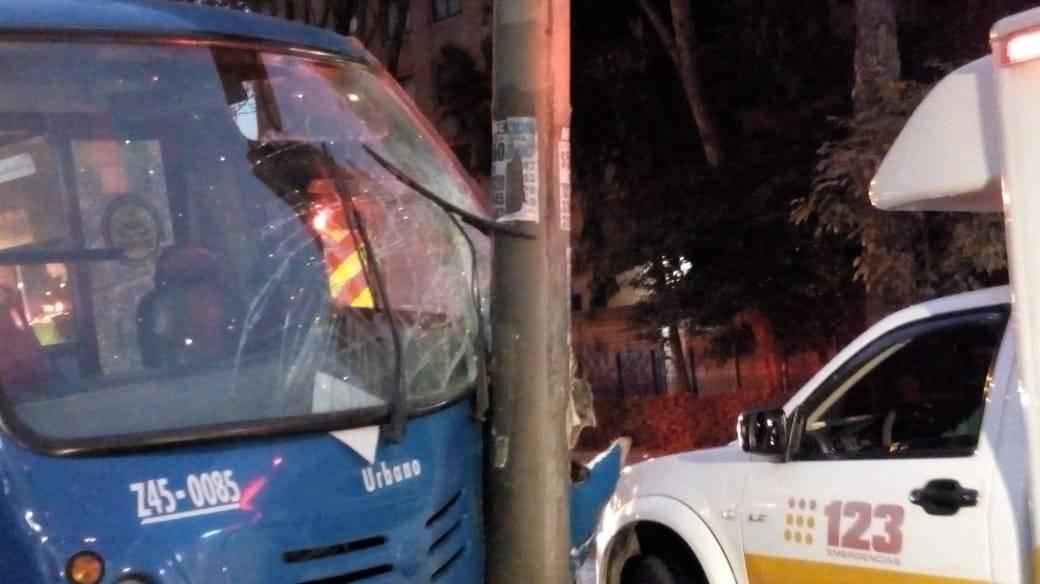 Fuerte accidente de bus del SITP en Teusaquillo