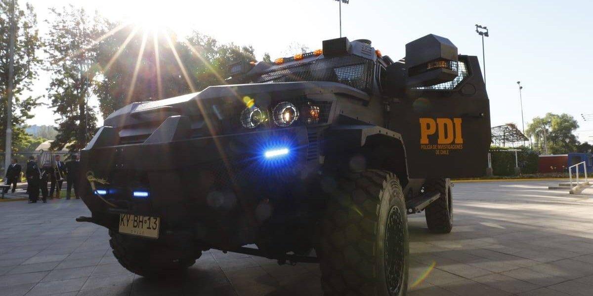 Tienen armas automáticas y son a prueba de bombas: estos son los dos nuevos vehículos de la PDI que costaron más de $500 millones