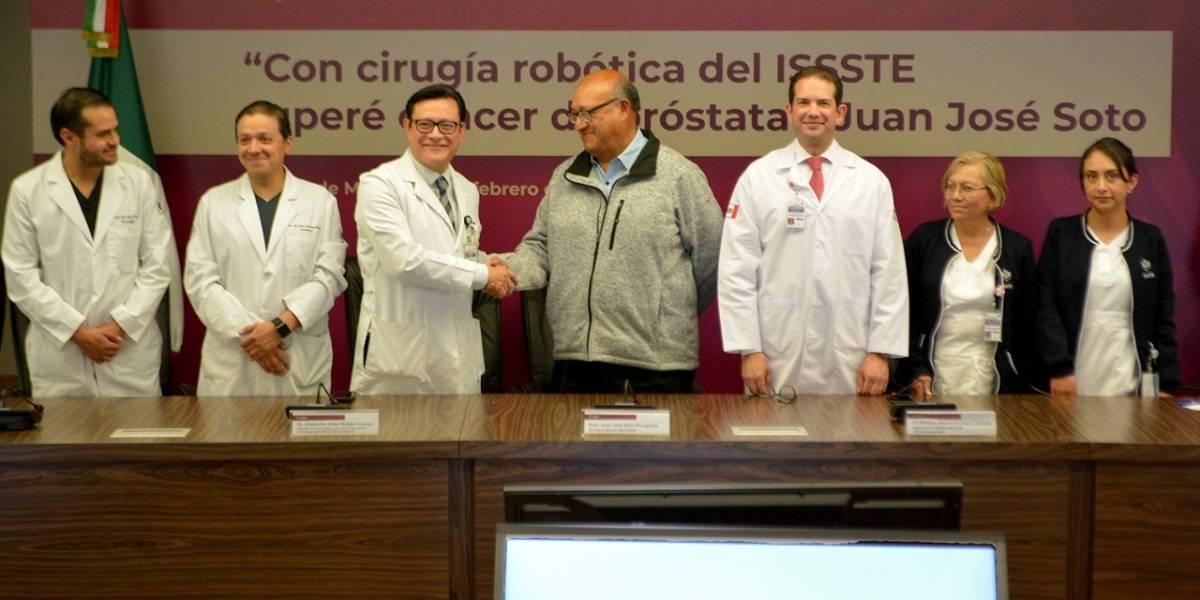 ISSSTE salva a paciente de cáncer con cirugía robótica