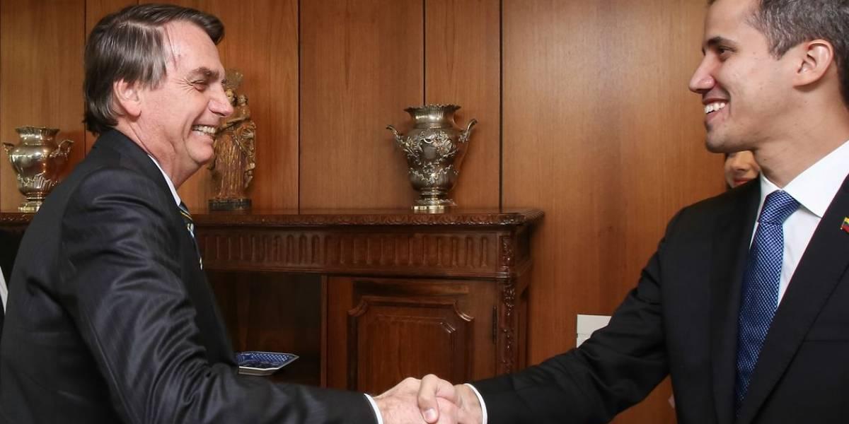 Bolsonaro chama Guaidó de 'irmão' e promete 'não poupar esforços' para ajudar a Venezuela