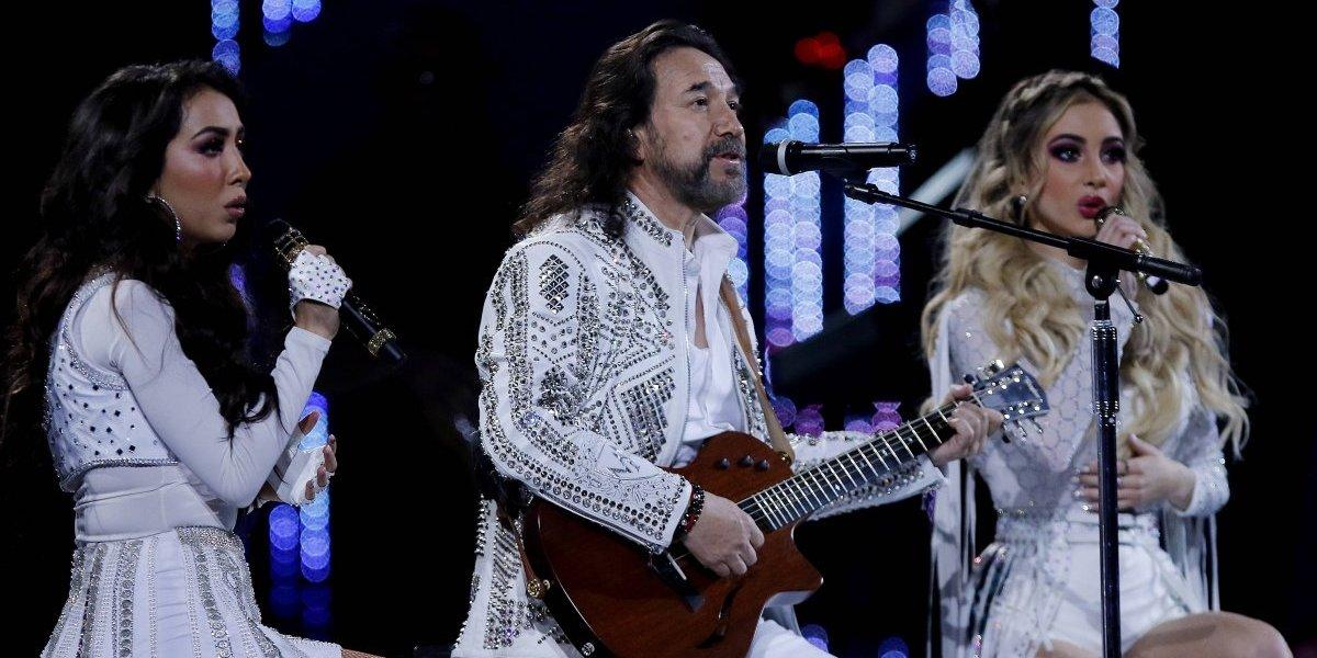 """Marco Antonio Solís y sus hijas cantantes: """"No puedo impulsar tanto como yo quisiera"""""""