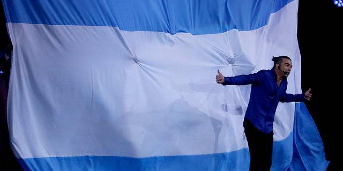 ¿Se picaron?: argentinos proponen quitarle la nacionalidad a Jorge Alís tras ver su rutina en Viña 2019