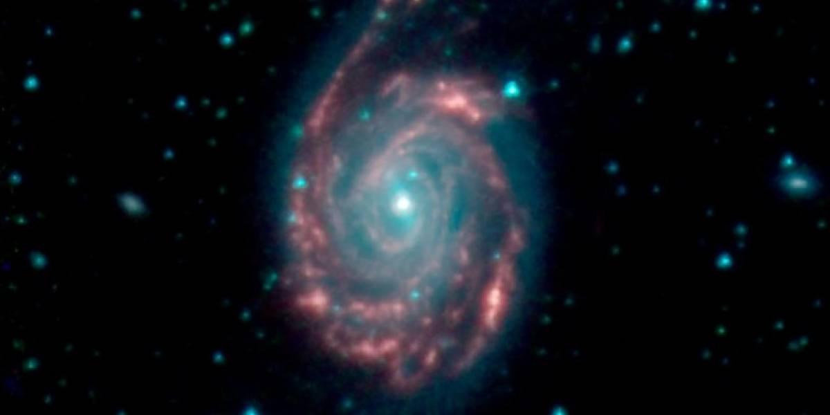 NASA captura momento em que gravidade une galáxias separadas