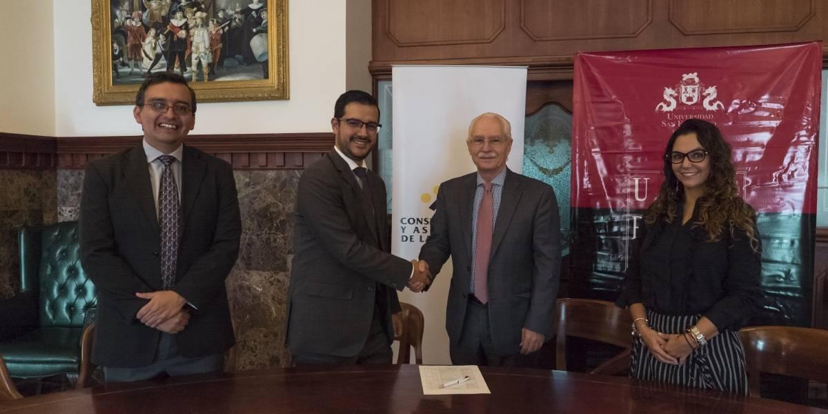 Consejo de cámaras y asociaciones de la producción firman convenio con la USFQ Business School