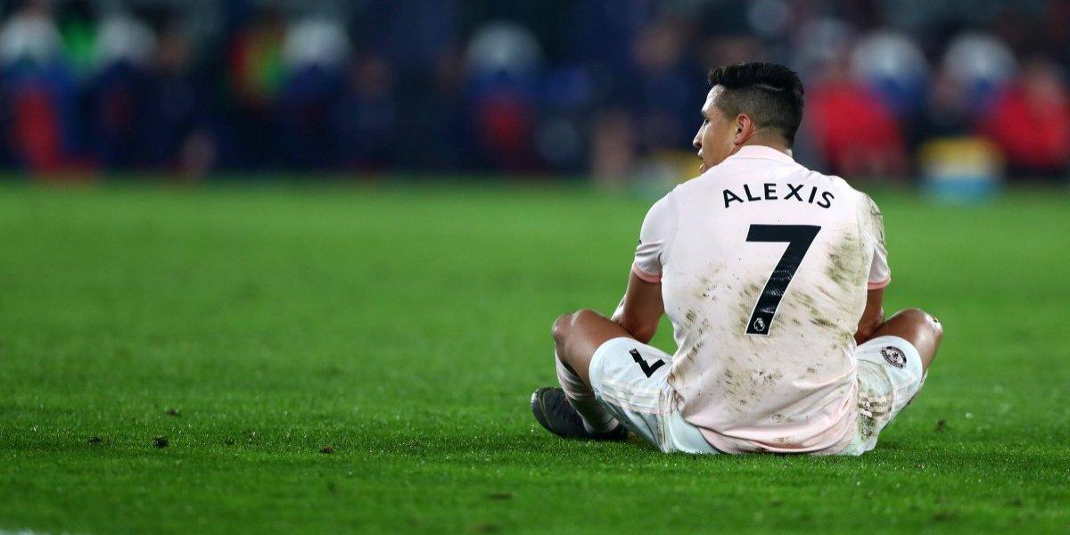 """En Inglaterra no hay piedad con Alexis Sánchez: """"Solskjaer tenía que decirle donde moverse en la cancha"""""""