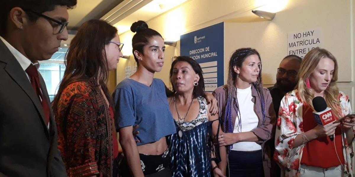 """Ministra Cubillos enciendo polémica y rechaza resolución de la Municipalidad de Santiago por alumna trans: """"El sexo registral no es un impedimento"""""""