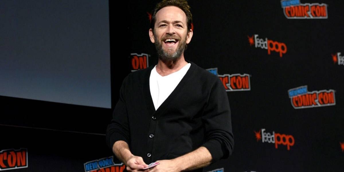 Luke Perry, ator de Riverdale e Barrados no Baile, é internado após sofrer derrame