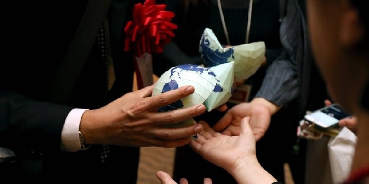"""Japonés crea un modelo """"estilo origami"""" para representar el verdadero tamaño de los continentes en la Tierra"""