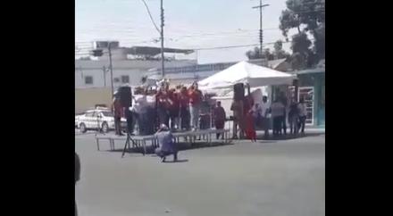 Así es como graban un discurso de mujeres chavistas para que parezca una multitud