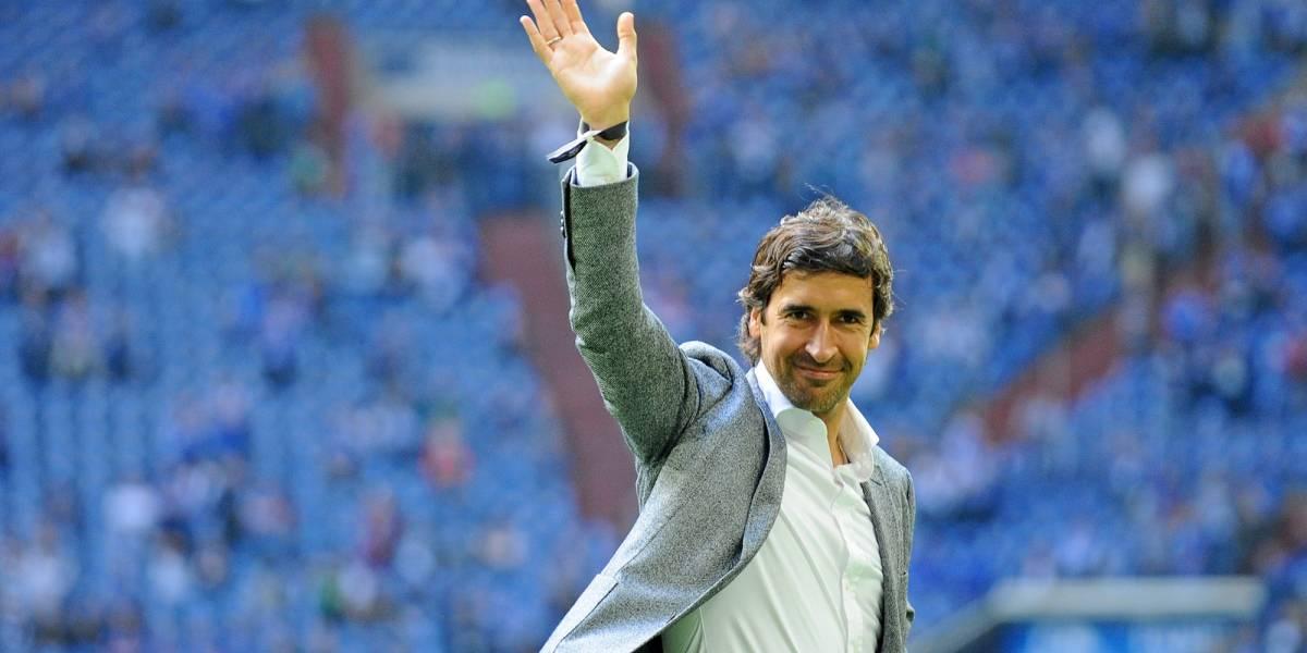 Real Madrid se queda sin entrenador y fichan a Raúl González