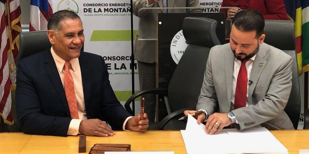 Firman primer consorcio energético en Puerto Rico