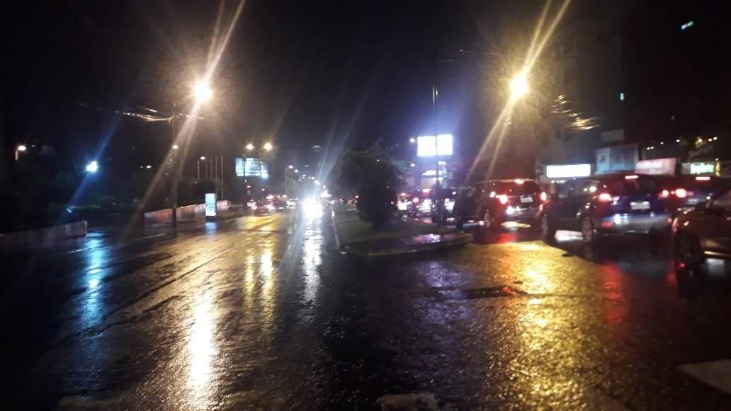 https://www.metroecuador.com.ec/ec/noticias/2019/02/28/fuertes-lluvias-se-registran-quito.html