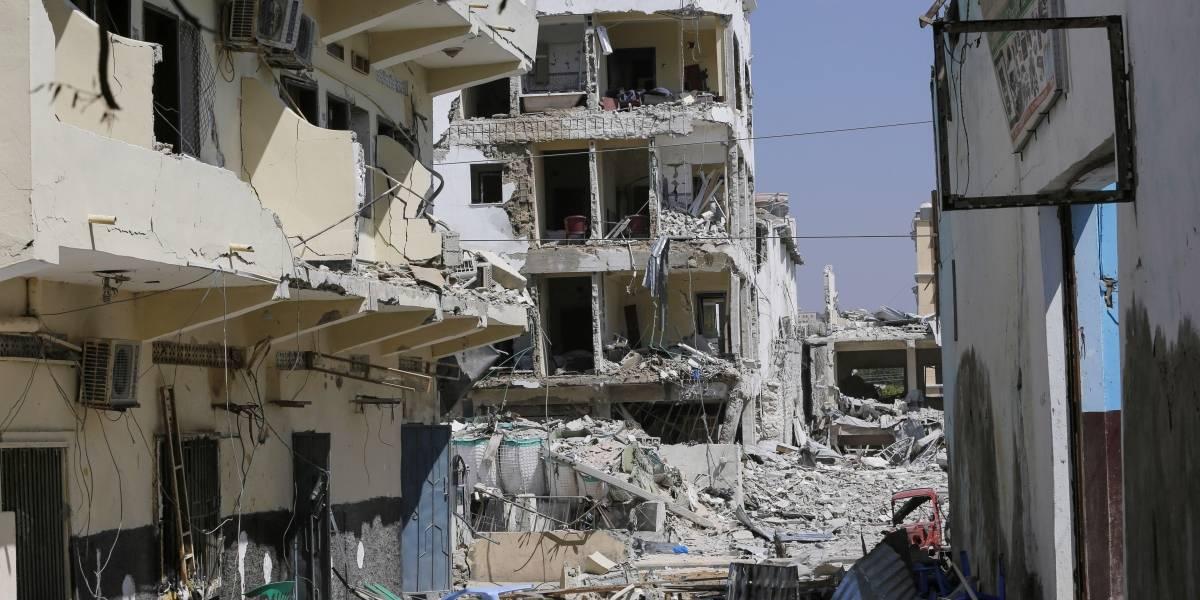 Coche bomba y tiroteo deja 18 muertos y al menos 40 heridos en Somalia