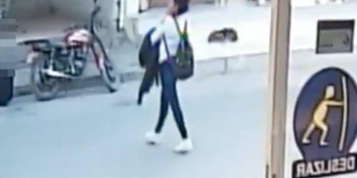 Mujer engañó a madre de 14 años para robarle al niño